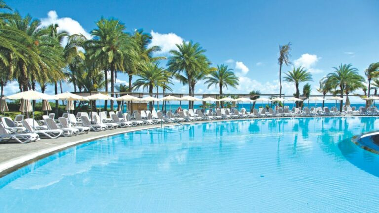 RIU CREOLE Zwembad Event Travel